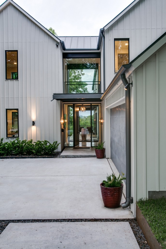Urban lake house olsen studios for Modern farmhouse windows